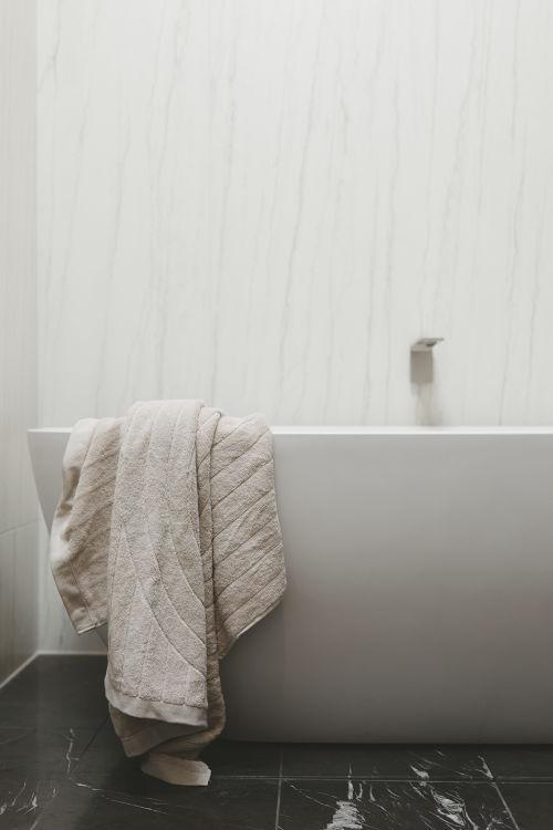 Simon and Ash Vos bathroom renovation